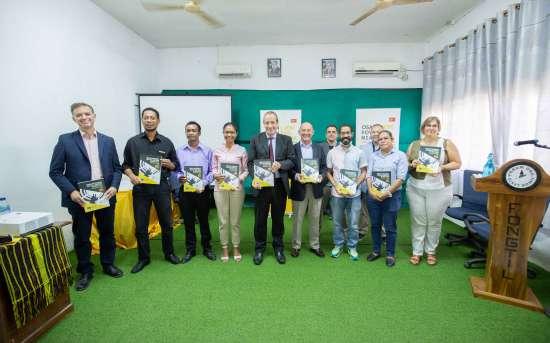 O PFMO OSAN POVU NIAN, JERE HO DI'AK apresenta o manual de português (Auditoria Social - A2) e certifica mais de 60 formandos em língua portuguesa para fins específicos