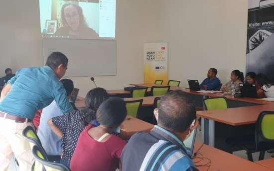 """PFMO """"OSAN POVU NIAN, JERE HO DI'AK"""" inicia com Ateliê de Jornalismo de Dados (2ª edição) para jornalistas timorenses"""