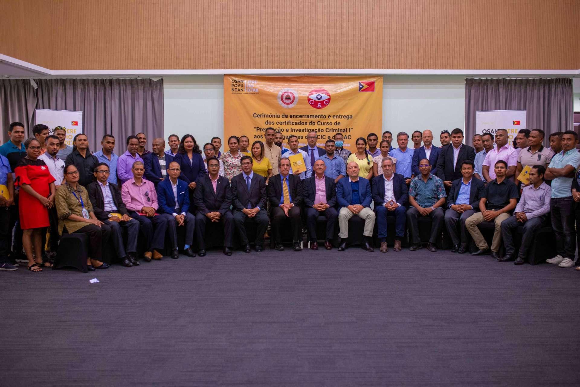 O PFMO OSAN POVU NIAN, JERE HO DI'AK realiza a cerimónia de encerramento e entrega de certificados aos formandos da PCIC e da CAC