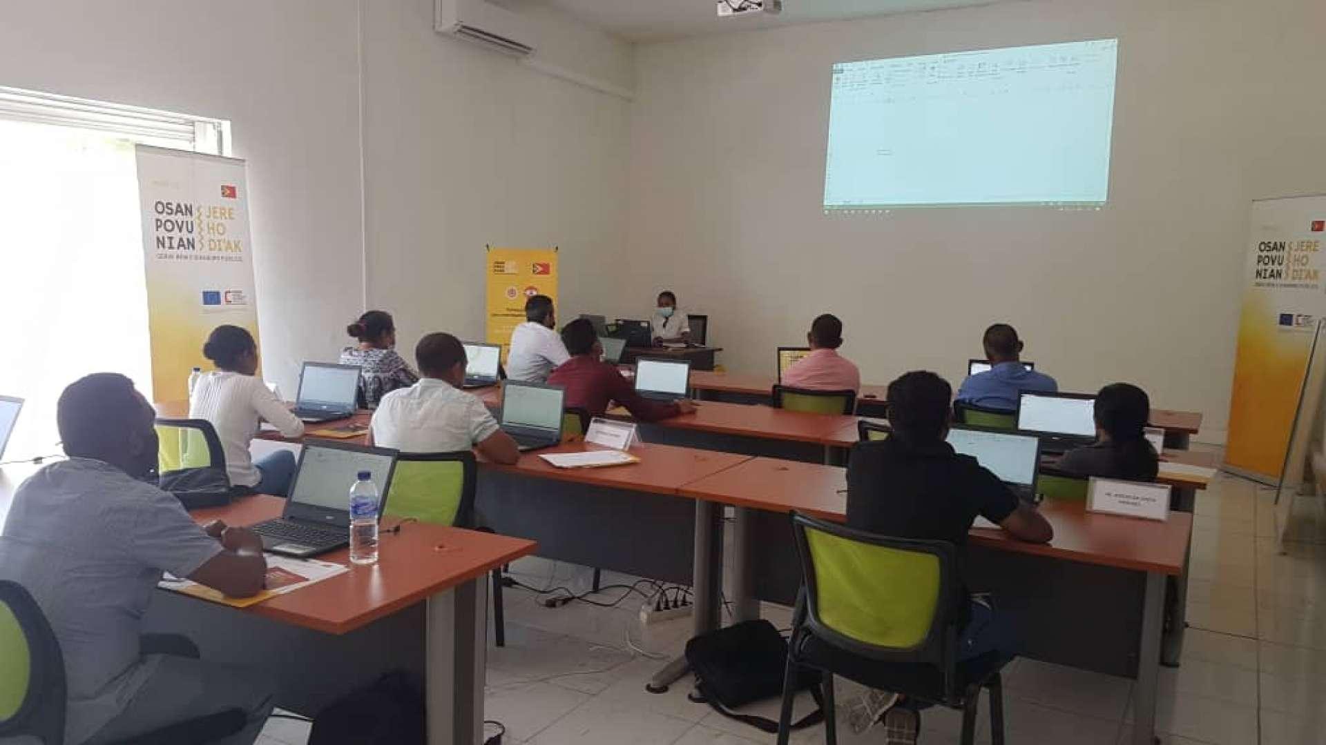 """PFMO """"OSAN POVU NIAN, JERE HO DI'AK"""" realiza a formação de Excel para Investigadores e Analistas da PCIC e CAC"""